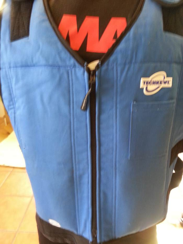 Cooling vest with insert