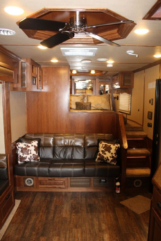 2019 Lakota BLE81616 Big Horn (16' stock / 16' LQ) w/ Mid Tack Gooseneck  With Living Quarters SOLD!!!