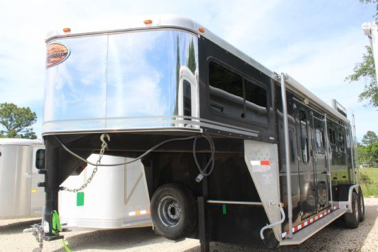 2003 Sundowner Valuelite  3 Horse Slant Load Gooseneck Horse Trailer SOLD!!!