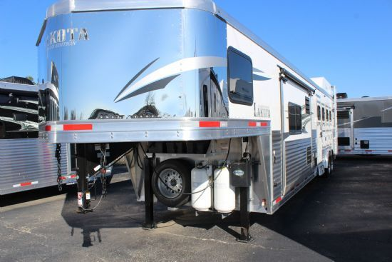 2019 Lakota C8415 Charger w/ 9' Slide Out  4 Horse Slant Load Gooseneck Horse Trailer With Living Quarters