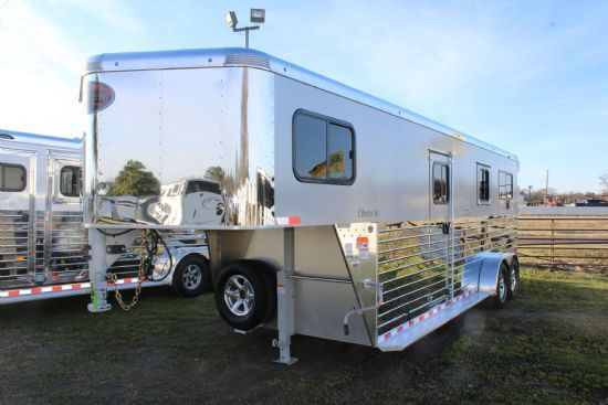 2019 Sundowner Charter TR SE 2 + 1 LIMITED EDITION  2 Horse Straight Load Gooseneck Horse Trailer
