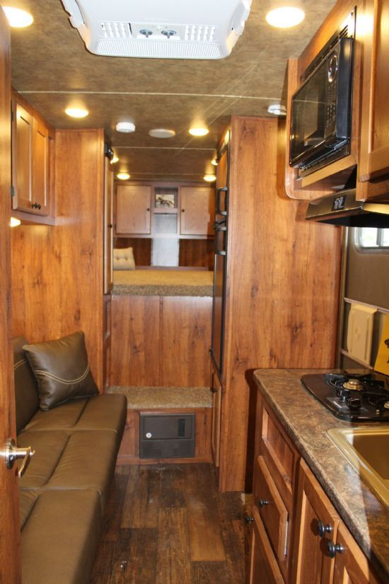 2018 Lakota AC311 COLT  3 Horse Slant Load Gooseneck Horse Trailer With Living Quarters SOLD!!!