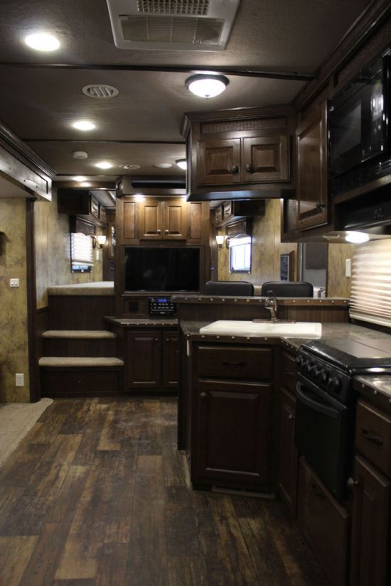 2014 Lakota BIG HORN B8418  4 Horse Slant Load Gooseneck Horse Trailer With Living Quarters SOLD!!!