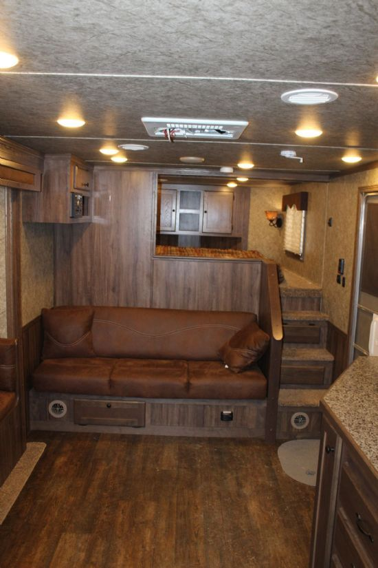 2018 Lakota C8415 SR Charger w/ Slide Out  4 Horse Slant Load Gooseneck Horse Trailer With Living Quarters