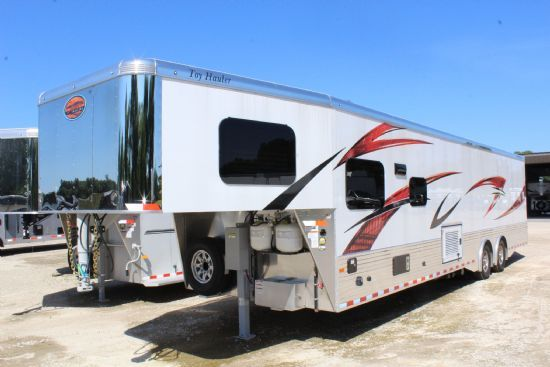 2020 Sundowner 2286 GM Toy Hauler Gooseneck Motorsports & Toy Hauler With Living Quarters
