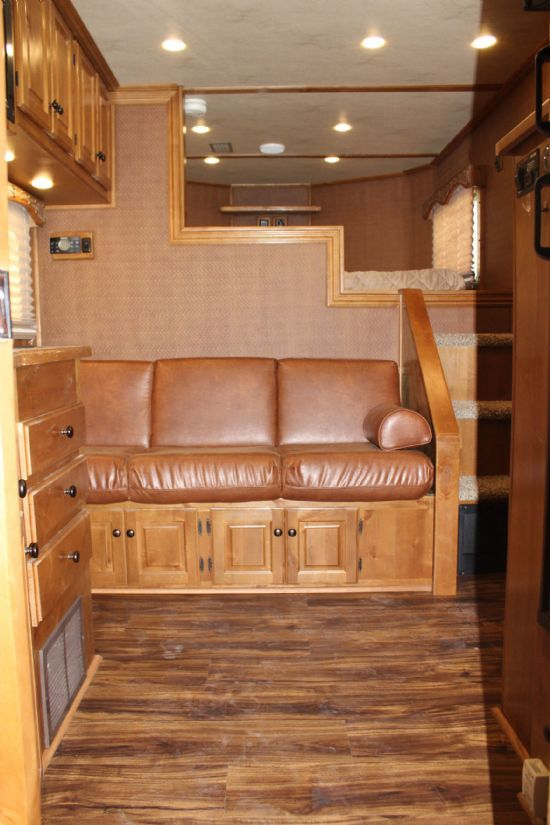 2014 Sundowner 8011 Horizon SE  3 Horse Slant Load Gooseneck Horse Trailer With Living Quarters SOLD!!!
