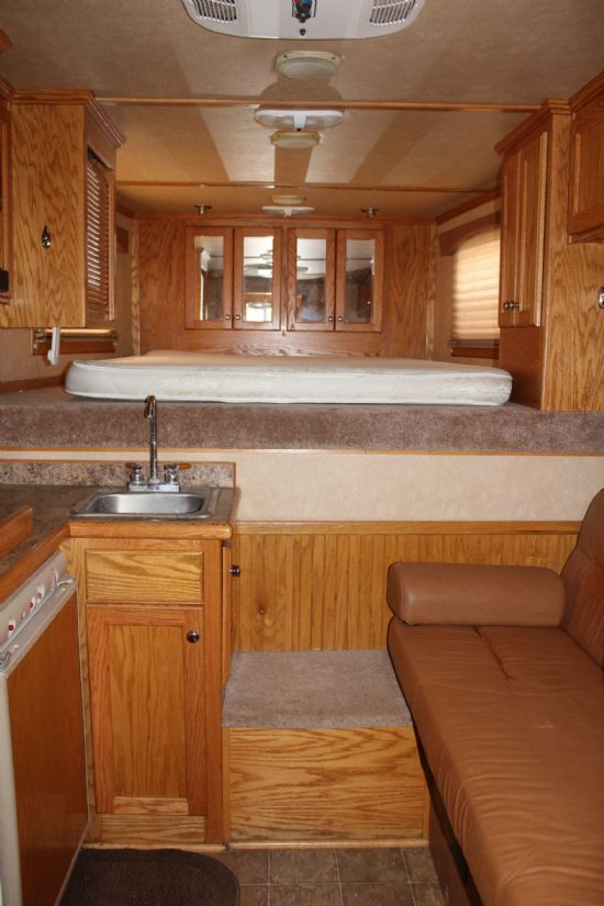 2006 Cimarron 8008  3 Horse Slant Load Gooseneck Horse Trailer With Living Quarters SOLD!!!
