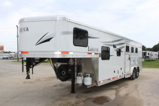 2020 Lakota C839 DR Charger  3 Horse Slant Load Gooseneck Horse Trailer With Living Quarters