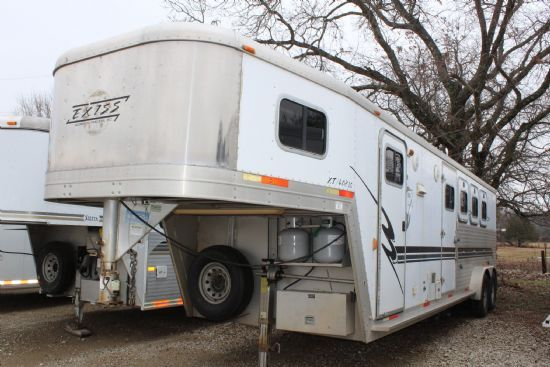 Exiss XT408  4 Horse Slant Load Gooseneck Horse Trailer With Living Quarters