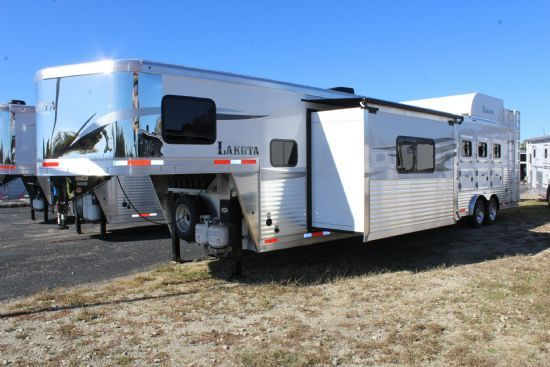 2020 Lakota C8417 SRB Charger w/ Slide Out  4 Horse Slant Load Gooseneck Horse Trailer With Living Quarters