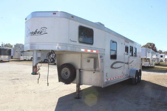 2007 Cherokee Invasion  3 Horse Slant Load Gooseneck Horse Trailer With Living Quarters