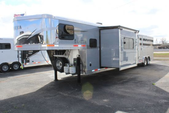 2020 Lakota LE1413 Gooseneck  With Living Quarters SOLD!!!
