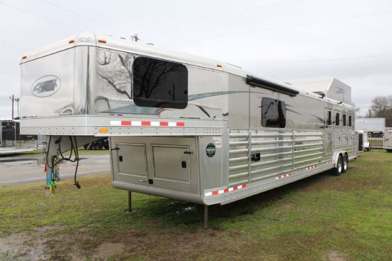 2016 4-Star   4 Horse Slant Load Gooseneck Horse Trailer With Living Quarters