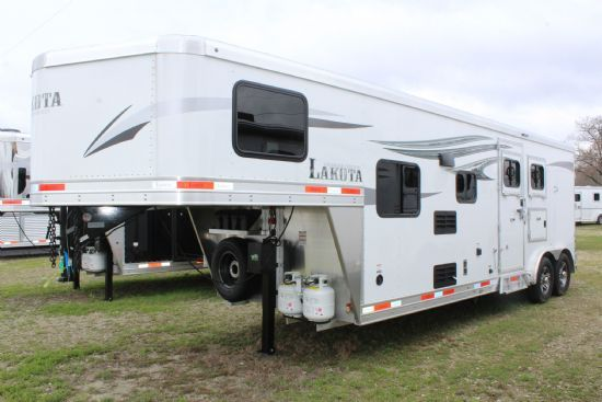 2020 Lakota C829SR Charger  2 Horse Slant Load Gooseneck Horse Trailer With Living Quarters