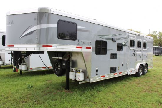 2020 Lakota C839 SR Charger  3 Horse Slant Load Gooseneck Horse Trailer With Living Quarters