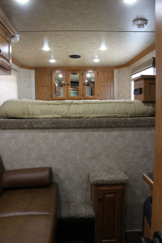 2019 Sundowner 6906 Santa Fe  2 Horse Slant Load Gooseneck Horse Trailer With Living Quarters