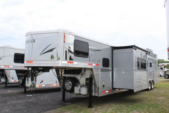 2020 Lakota C8413SR Charger REAR SIDE LOAD w/ Slideout  4 Horse Slant Load Gooseneck Horse Trailer With Living Quarters
