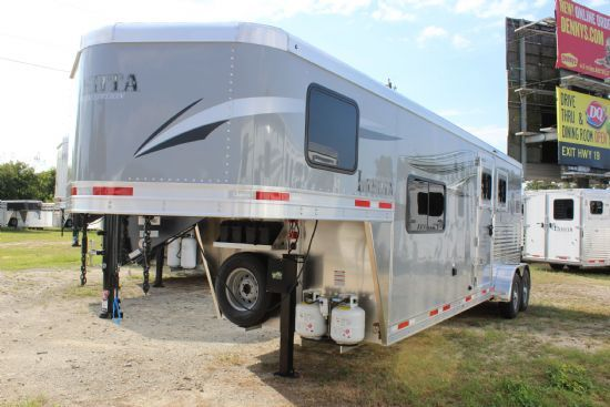 2021 Lakota C29 Charger  2 Horse Slant Load Gooseneck Horse Trailer With Living Quarters