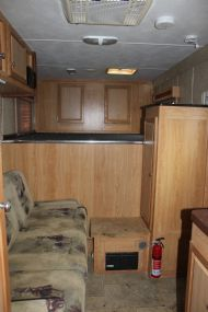 built 4 horse slant load gooseneck horse trailerwith living quarters