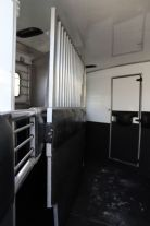 2002 Sundowner 8010 Sierra  3 Horse Slant Load Gooseneck Horse Trailer With Living Quarters